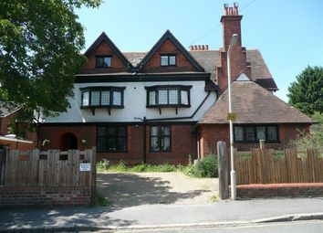 Thumbnail 2 bed flat to rent in Priory Avenue, Caversham, Reading