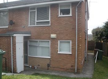 Thumbnail 1 bed flat to rent in Cross Hey Avenue, Noctorum, Wirral