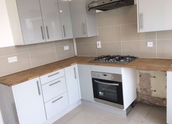 Thumbnail 5 bed property to rent in Hollybush Gardens, Bethanl Green, London