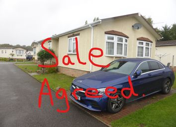 Thumbnail 2 bed mobile/park home for sale in Rose Park, Addlestone