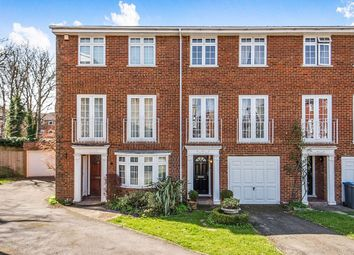 3 bed property for sale in Selsdon Close, Surbiton KT6