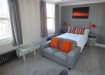 Thumbnail Room to rent in Jesse Terrace, Reading, Berkshire