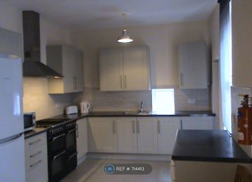 Room to rent in Rothbury Terrace, Newcastle Upon Tyne NE6