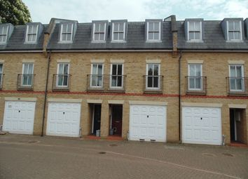 3 bed town house to rent in Sussex Mews, Catford London SE6