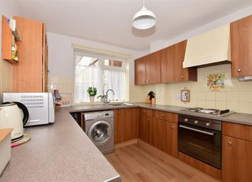 3 bed maisonette for sale in Victor Close, Hornchurch, Essex RM12