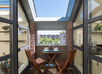 Thumbnail 2 bed flat for sale in Gas Ferry Road, Bristol