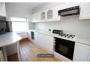 Thumbnail 2 bedroom flat to rent in Bradford Road, Pudsey