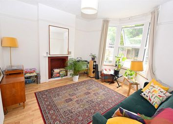 2 bed maisonette to rent in Hove Avenue, Walthamstow, London E17