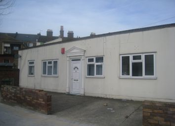 Thumbnail 1 bed flat to rent in Central Park Road, Hackney