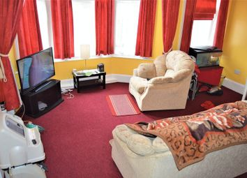 Thumbnail 1 bedroom flat for sale in Victoria Arcade, Union Street, Ryde