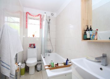 Thumbnail 1 bed flat to rent in Kinloch Street, Holloway