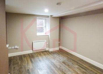 Thumbnail Flat to rent in Flat 7, Warwick House, Avenue Road