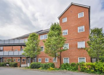 Thumbnail 2 bed flat for sale in Lower Leys, Evesham