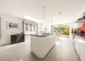 Thumbnail 5 bed terraced house for sale in Lavender Sweep, London