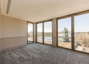 Thumbnail 3 bed flat for sale in Crisp Road, London