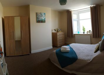 Thumbnail 1 bedroom property to rent in Long Lane, Bexleyheath