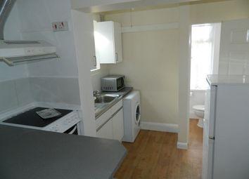 Thumbnail 1 bed maisonette to rent in Cippenham Lane, Cippenham, Berkshire