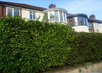 2 bed maisonette to rent in Queensmere Road, Slough SL1