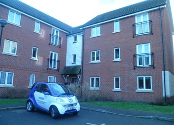 2 bed flat to rent in Glandford Way, Chadwell Heath, Romford RM6