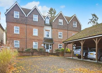 Thumbnail 2 bed flat to rent in Kingsland House, 135 Andover Road, Newbury