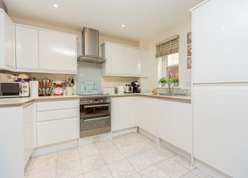 2 bed maisonette for sale in Crown Place, Reading, Berkshire RG1