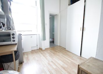 Thumbnail Studio to rent in Camden High Street, Camden Town