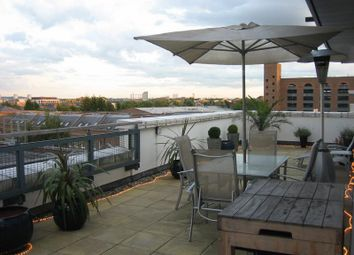 Thumbnail Room to rent in Wapping Lane, Wapping, London