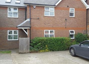 Thumbnail 2 bed flat to rent in Ramridge Road, Luton