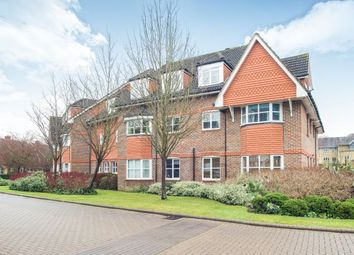 Thumbnail 2 bedroom flat to rent in Hayward Road, Thames Ditton