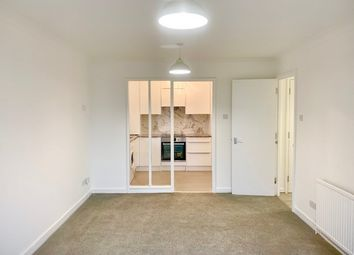 Thumbnail Flat to rent in Beechwood Grove, London