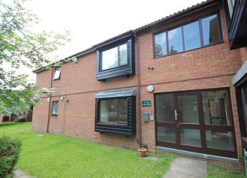 Thumbnail 1 bed flat for sale in Colin Road, Luton