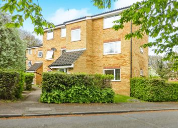 Thumbnail 2 bed flat for sale in Valley Green, Hemel Hempstead