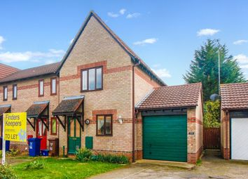 2 bed semi-detached house to rent in Spruce Drive, Bicester OX26