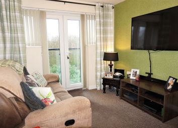 Thumbnail 1 bed block of flats for sale in 63 Woodheys Park, Hull