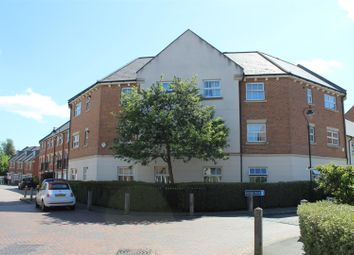 2 bed flat to rent in Empire Walk, Greenhithe DA9