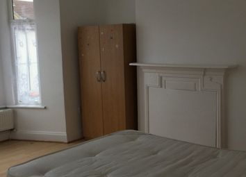Thumbnail 5 bed property to rent in Ernald Avenue, London