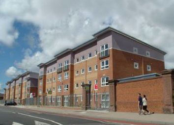 2 bed flat to rent in Crown Station Place, Edge Hill, Liverpool L7