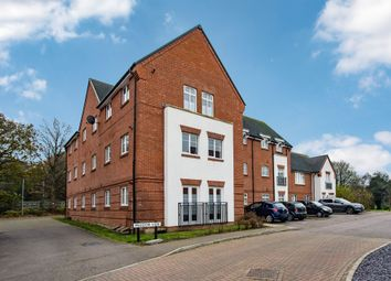 Thumbnail 2 bed flat for sale in Meadow View, Amersham