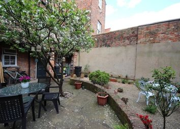 Thumbnail 1 bed flat to rent in George Street, York