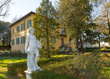 Thumbnail 11 bed villa for sale in Pisa, Tuscany, Italy