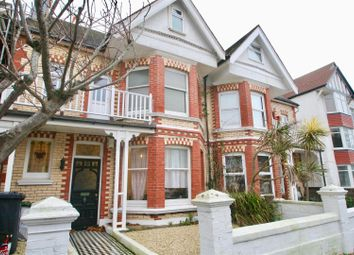 Thumbnail 2 bed flat to rent in Langdale Road, Hove