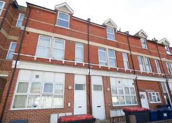 Thumbnail 2 bedroom flat to rent in Salisbury Road, High Barnet