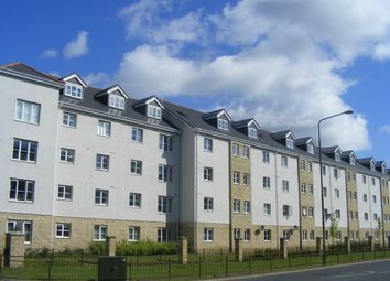 Thumbnail 3 bed flat to rent in Queens Crescent, Livingston