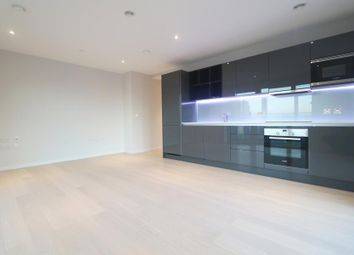 2 bed flat to let in 1 Glasshouse Gardens