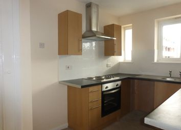 Thumbnail 3 bed flat to rent in Bishopric, Horsham