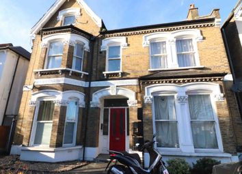 Thumbnail 2 bed flat to rent in Newlands Park, London