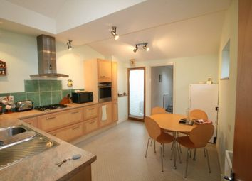 Thumbnail 2 bed flat to rent in Woodville Road, Torquay