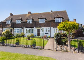 3 bed property for sale in Withycroft, George Green, Slough SL3