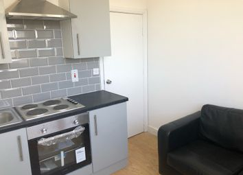 Thumbnail 1 bed flat to rent in Hyde Park Road, Leeds