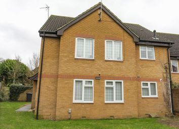 Thumbnail 1 bed flat to rent in Willow Way, Toddington, Dunstable
